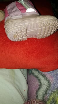 Pink size 5 toddler winter boots O.B.O.