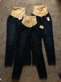 Maternity pants size large  Anaheim, 92801