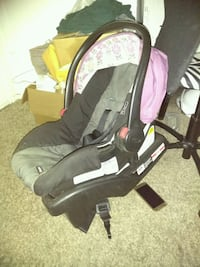baby's black and pink car seat carrier Dallas, 75248