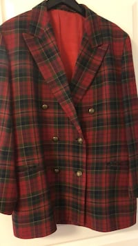 red and black plaid button-up jacket 560 km