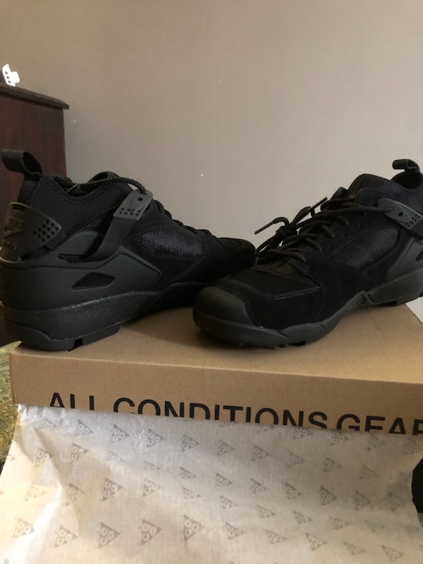 f5757abc9 Used Nike ACG Air Revaderchi all black (Men Size 10) for sale in New ...