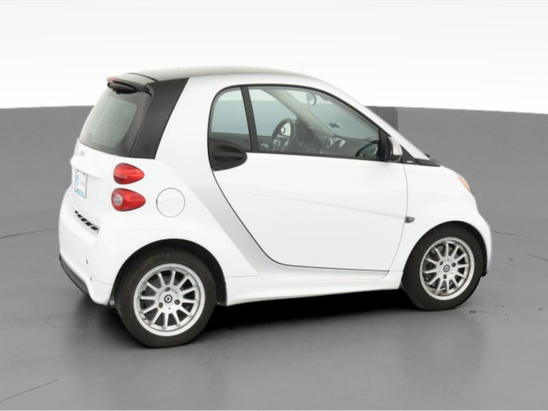 2013 smart fortwo coupe Pure Hatchback Coupe 2D White  0c36be5e-3663-42c3-9bb8-c5022b59eed0