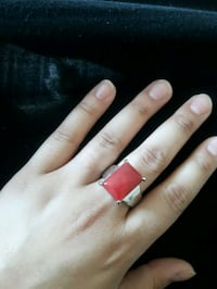 red and silver ring with black gemstone Vaughan, L4H