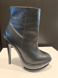 Herve Leger Black Leather Booties Size 9 Toronto, M4A 1E6