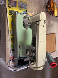 Sewing machine with pedal Oakville, L6M 3G1