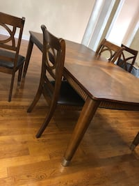 Ashley dining table with 6 chairs  Brampton, L6Z 4P5