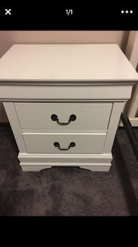 Brand new night stand Lincoln, 68521