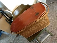 Antique picnic basket Inver Grove Heights, 55076