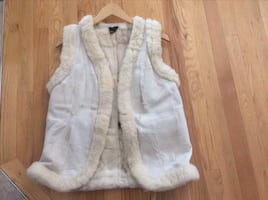 BRAND NEW SHEEPSKIN VEST SIZE SMALL / MEDIUM