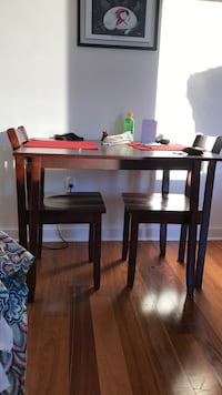 Brown wooden table with two chairs Bellevue, 98004