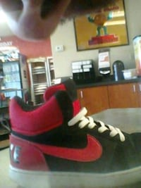 red-and-black Nike basketball shoes Glendale, 85306