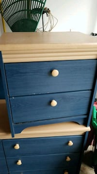 Dresser & end table. Barrie, L4N 5C5
