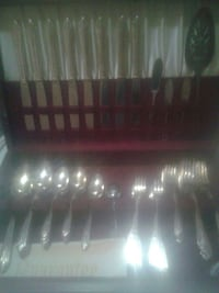Silverplate serving set Oshawa, L1G 4X6