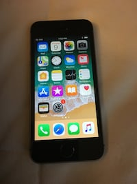 Carrier unlocked iPhone SE 128GB Mc Lean, 22101