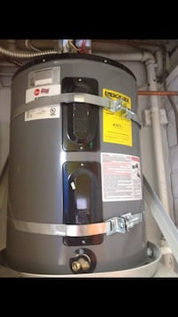 240/ 3 phase hot water heater BRAND NEW with mounting bracket. 30 gallon . Commercial  San Diego, 92114