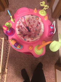 baby's pink and green activity saucer El Paso, 79934