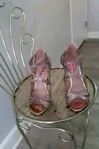 Sparkly heels size 7 and a half Las Vegas, 89108