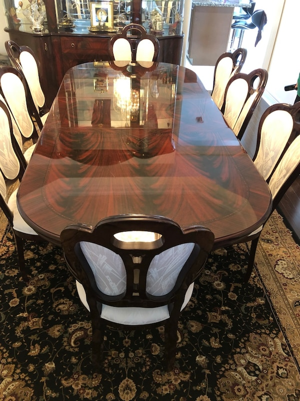 Beautiful Dining Table Set With 8 Chairs and Buffet 4ab27148-662d-4dd5-b568-38a0b1131256