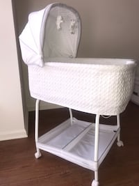 Bassinet with music and nightlight Owings Mills, 21117