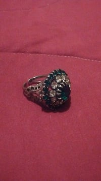 Green emerald ring Las Vegas, 89169