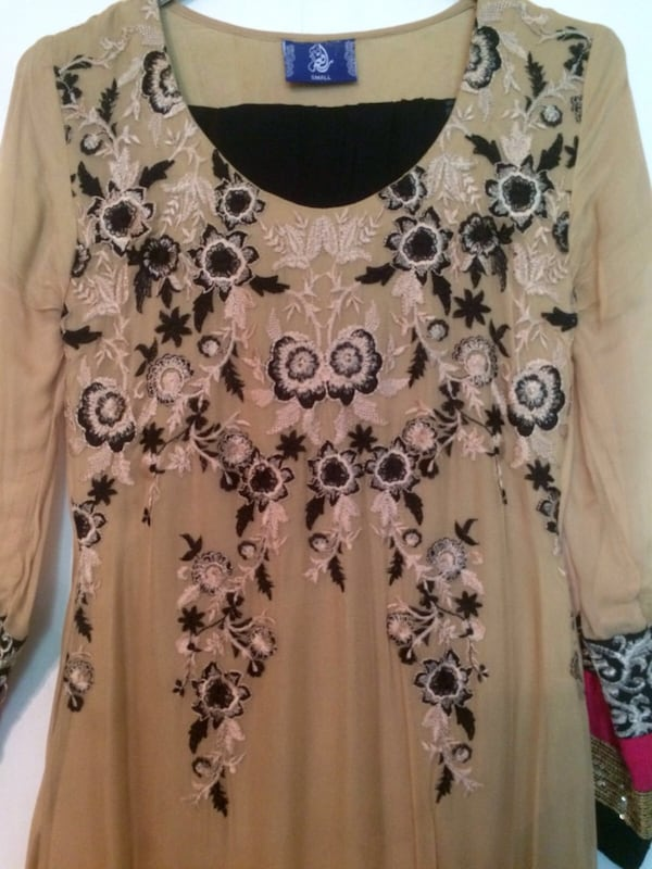 Indian party dress - very good condition 7a60a8c6-dd1c-4c00-8500-aad26bad0952