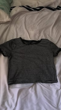 black crew-neck t-shirt Barrie, L4N