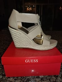 Guess tan wedges Chicago
