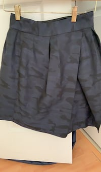 Navy banana republic short skirt