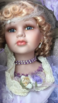 Keepsake Heirloom Porcelain Doll Collectable 28 inches tall   Union City, 07087