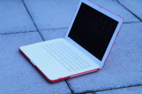 """MacBook Unibody 13"""" / Late 2009 / 500 HDD / Microsoft Office Vancouver"""