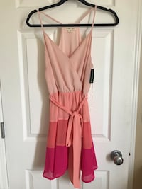 Tri coloured peach dress- small Edmonton, T6V 1S7