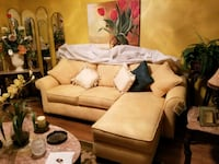 Yellow Microfiber Couch w/Chaise & Matching Seat Los Angeles, 90039