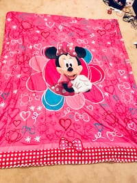 Minnie Mouse double comforter and curtain set Markham