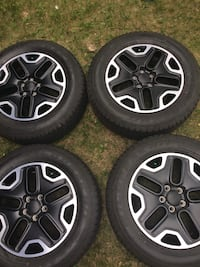 Jeep 17 inches Oem rims Edmonton, T6J 4T5