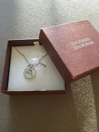 helzberg crystal diamond ring and necklace Washington, 20017