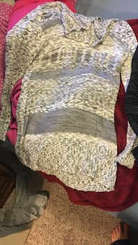 brown and grey sweater Flagstaff, 86005
