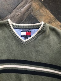 gray and black Tommy Hifiger sweater Erie, 16502