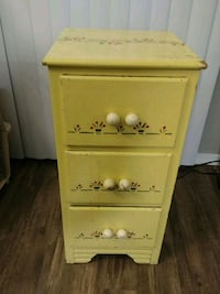 Small artsy yellow dresser drawer Mesa, 85202