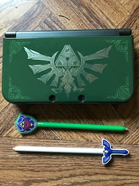 3DS New XL with LOZ cases