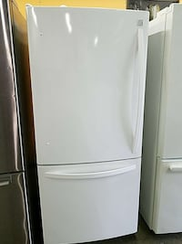 white bottom mount refrigerator Woodbridge, 22191