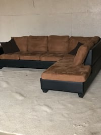 Microfiber Sectional Couch (Delivery Available) 60 km