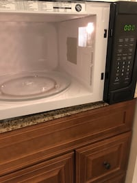 Microwave, countertop large, perfect condition Reston, 20191
