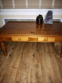 Wood..Coffee table and ONE matching end table Belleville, K8N 4Y9