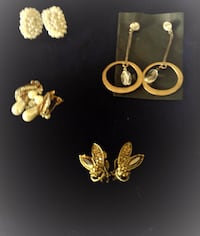 Beautiful earings for the holiday as a gift !