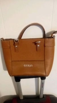 Guess handbag super cute