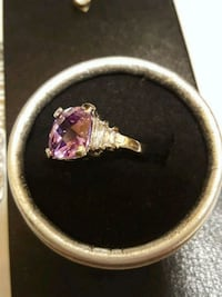 silver and pink gemstone ring Salaberry-de-Valleyfield, J6T 1P4