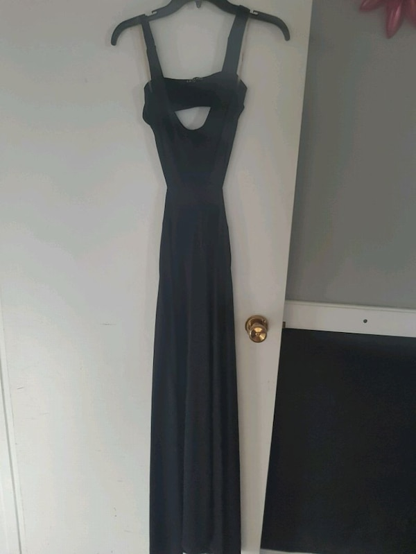Dresses size small to medium  f3e9dc49-f311-4d98-9b3e-d656cca60d08