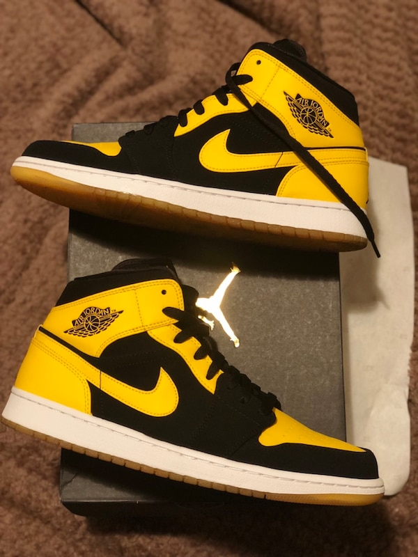 65d4814467af7f Used Air Jordan 1 Mid New Love sz 11 for sale in New York - letgo