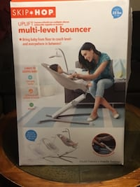 Skip Hop uplight multi-level bouncer box 943 mi