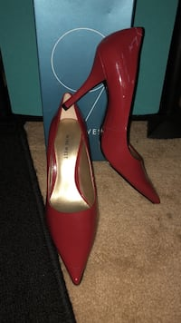 Size 7 Nine West red pointed-toe heeled shoes Laurel, 20707